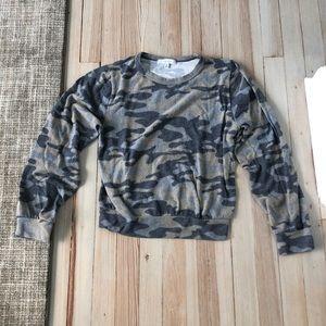 Gaze sweater